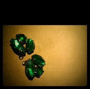 Emerald green vintage earrings
